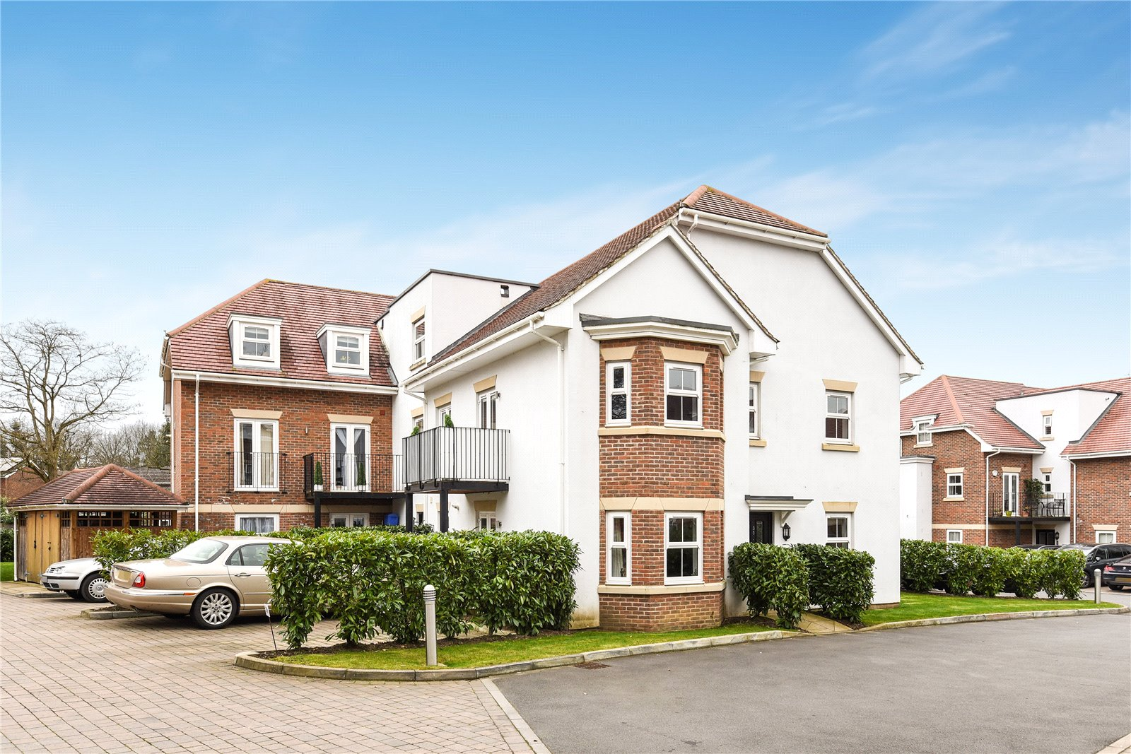 2 Bedrooms Apartment Flat for sale in Wiltshire Place, Wiltshire Road, Wokingham, Berkshire, RG40