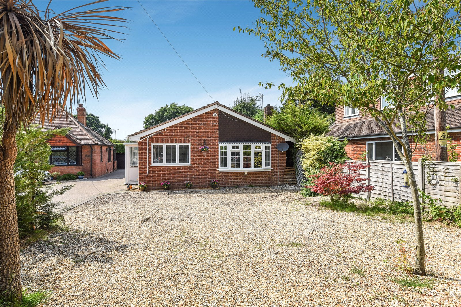 4 Bedrooms Detached House for sale in Langley Common Road, Barkham, Wokingham, Berkshire, RG40