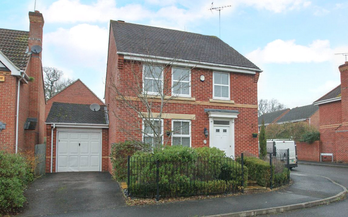 4 Bedrooms Detached House for sale in Arbery Way, Arborfield, Berkshire, RG2