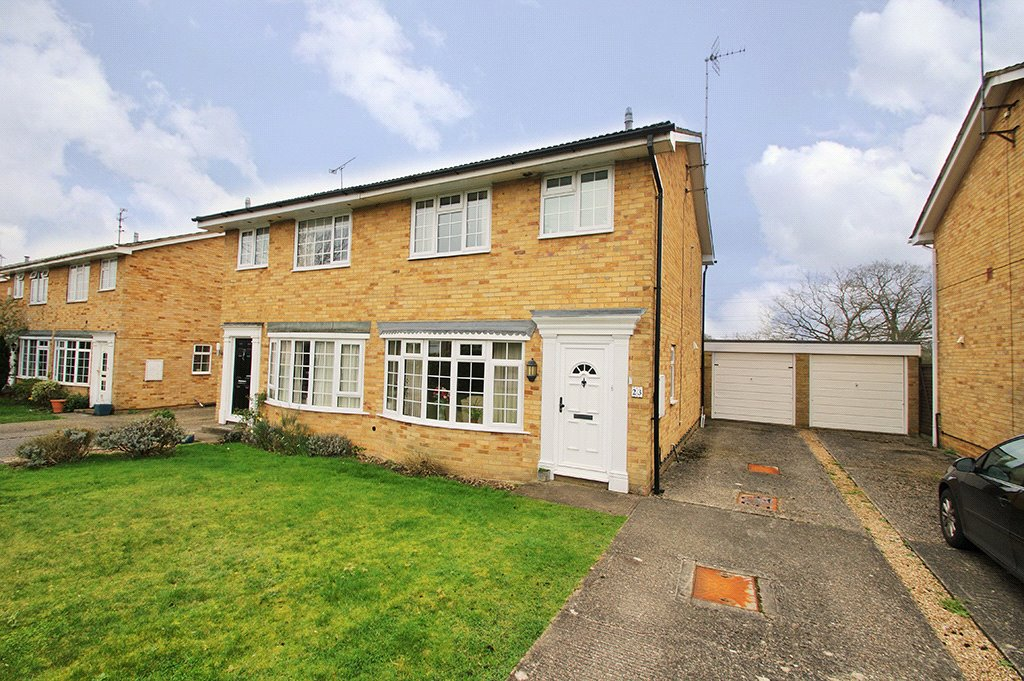 3 Bedrooms Semi Detached House for sale in Waterloo Crescent, Wokingham, Berkshire, RG40