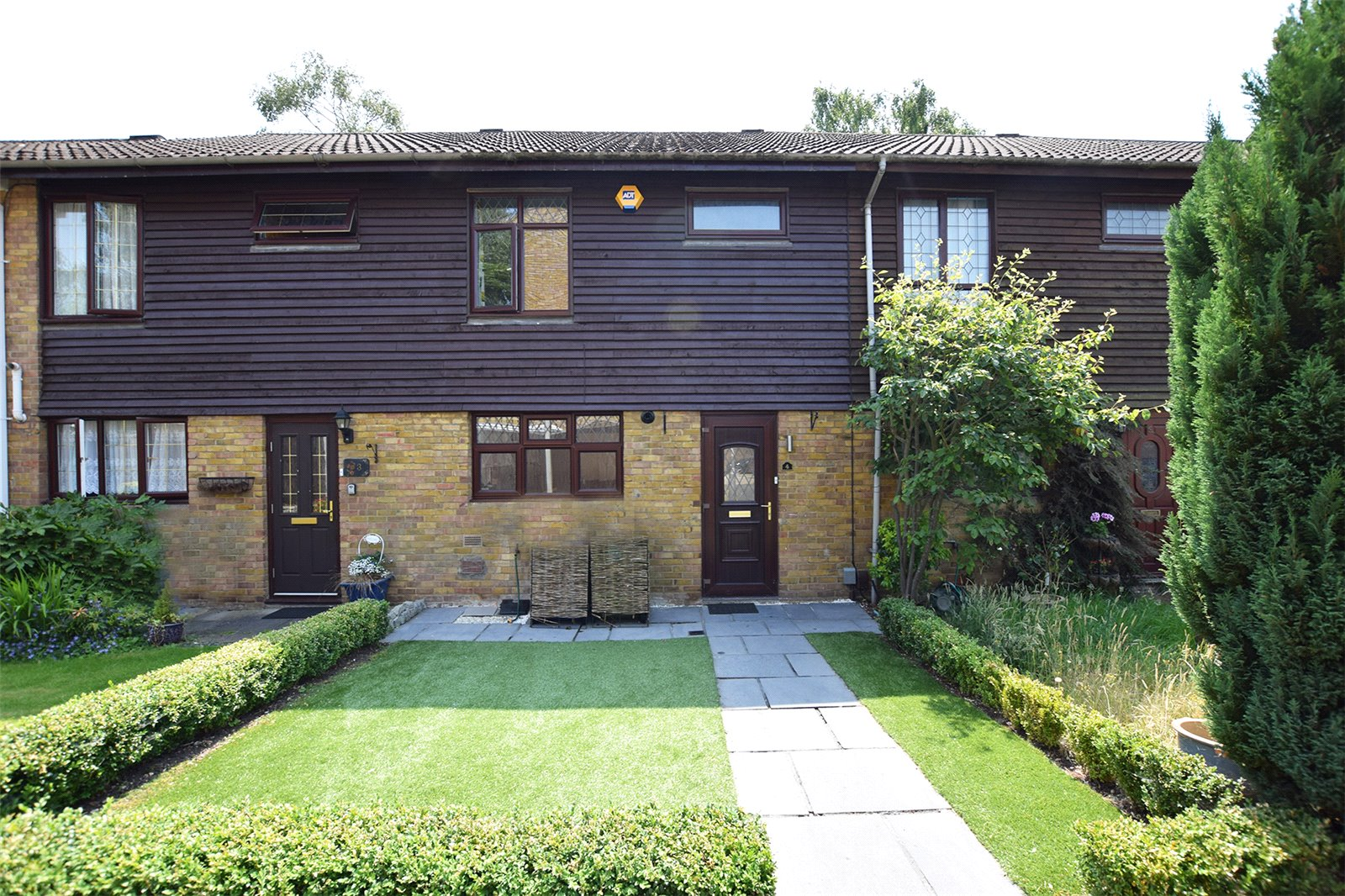 3 Bedrooms Terraced House for sale in Hillberry, Bracknell, Berkshire, RG12