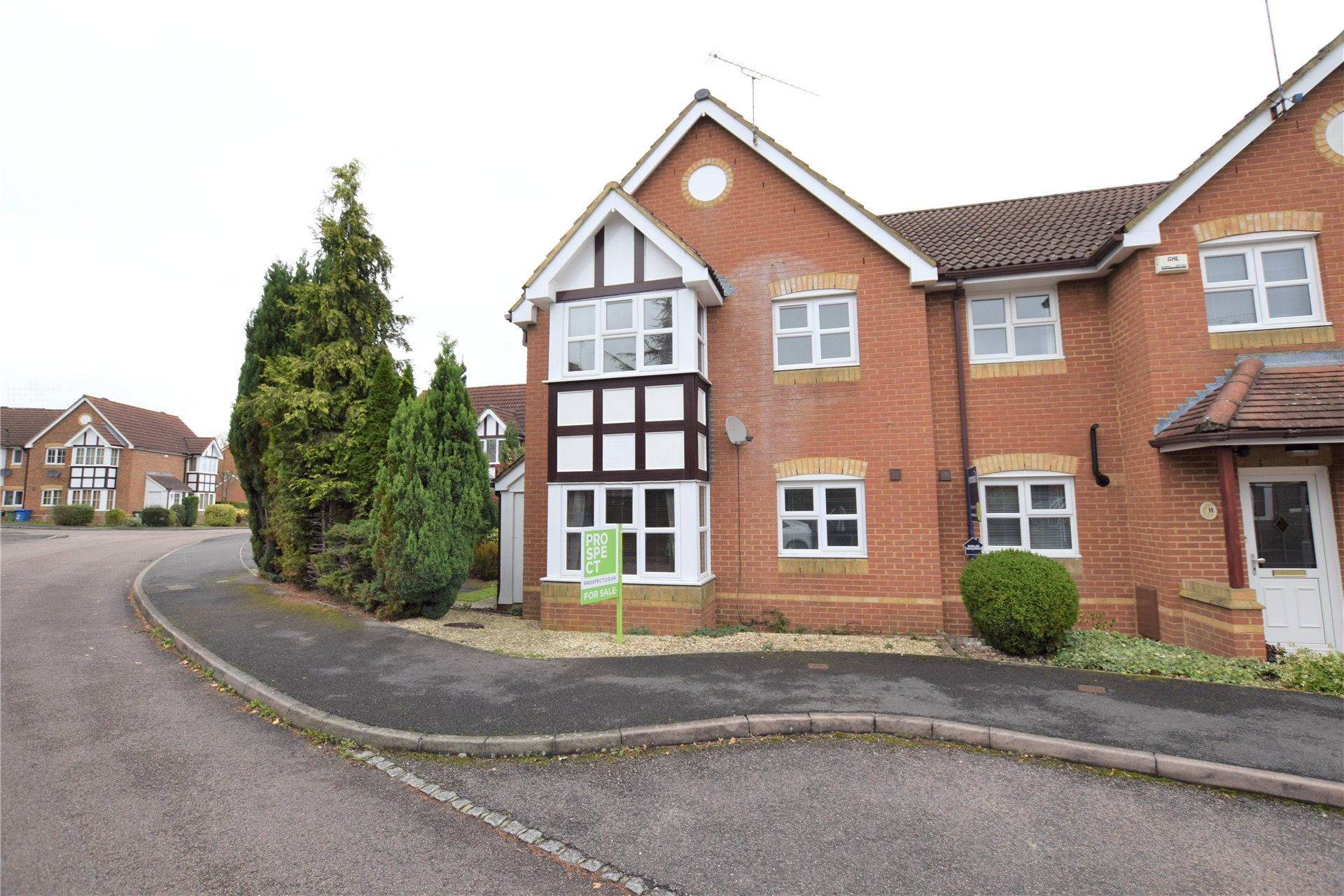 1 Bedroom Terraced House for sale in Francis Gardens, Warfield, Berkshire, RG42