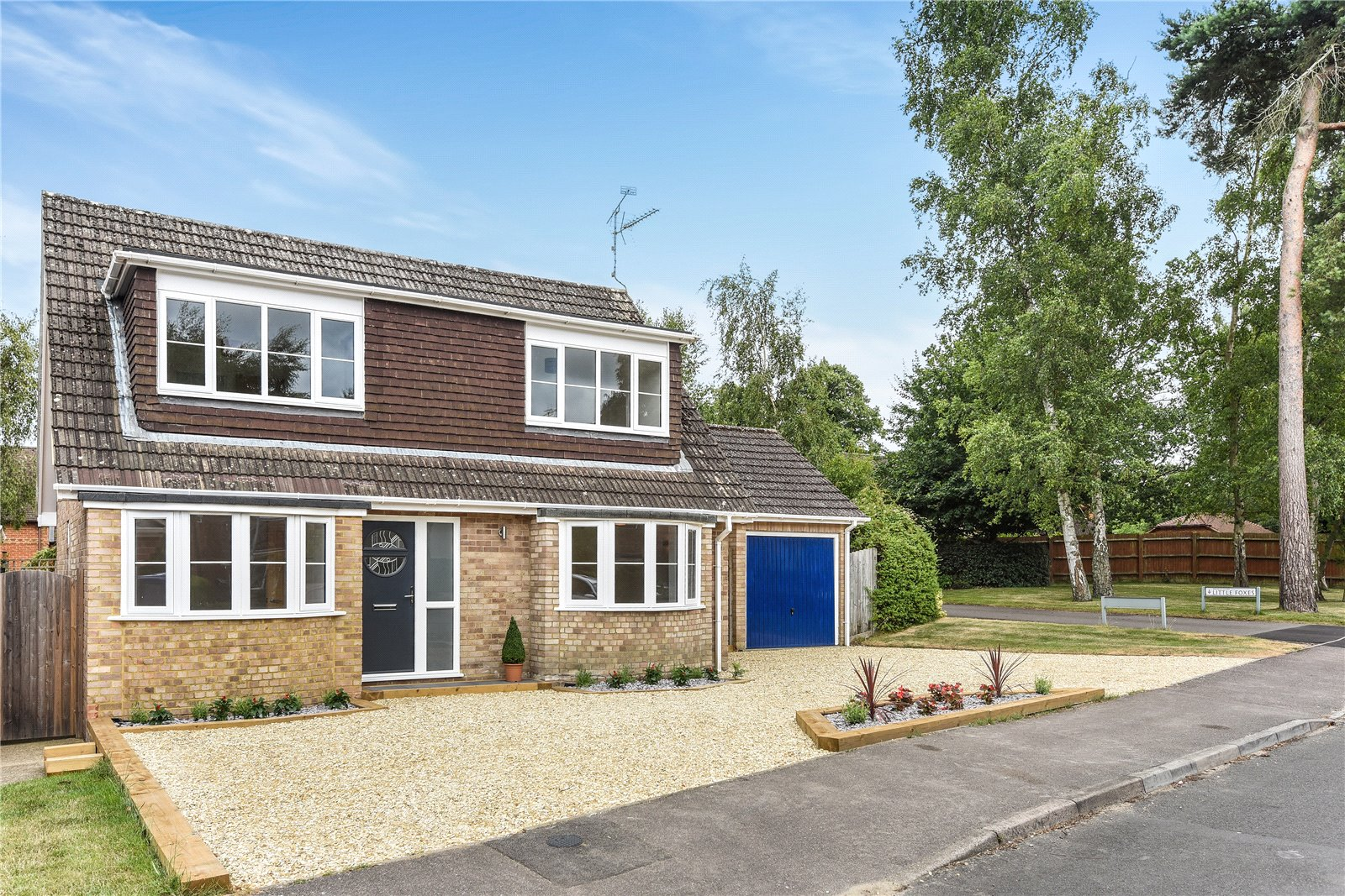 3 Bedrooms Detached House for sale in Foxcote, Finchampstead, Wokingham, Berkshire, RG40