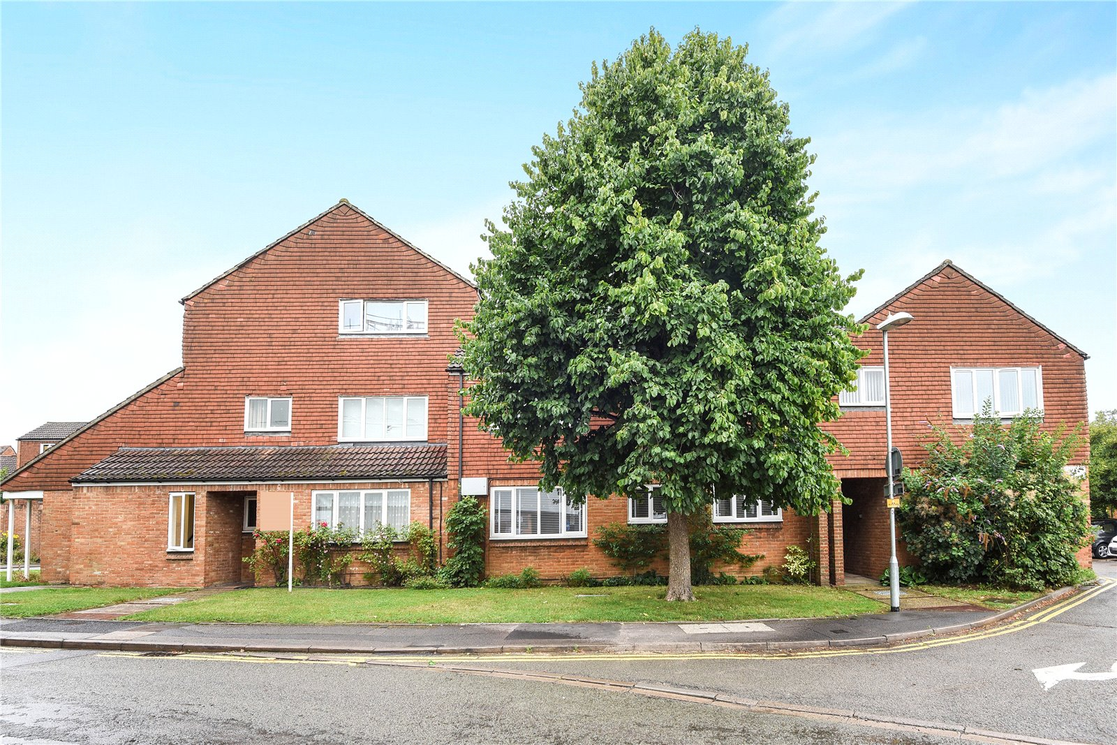 2 Bedrooms Apartment Flat for sale in Mulberry Court, Rose Street, Wokingham, Berkshire, RG40